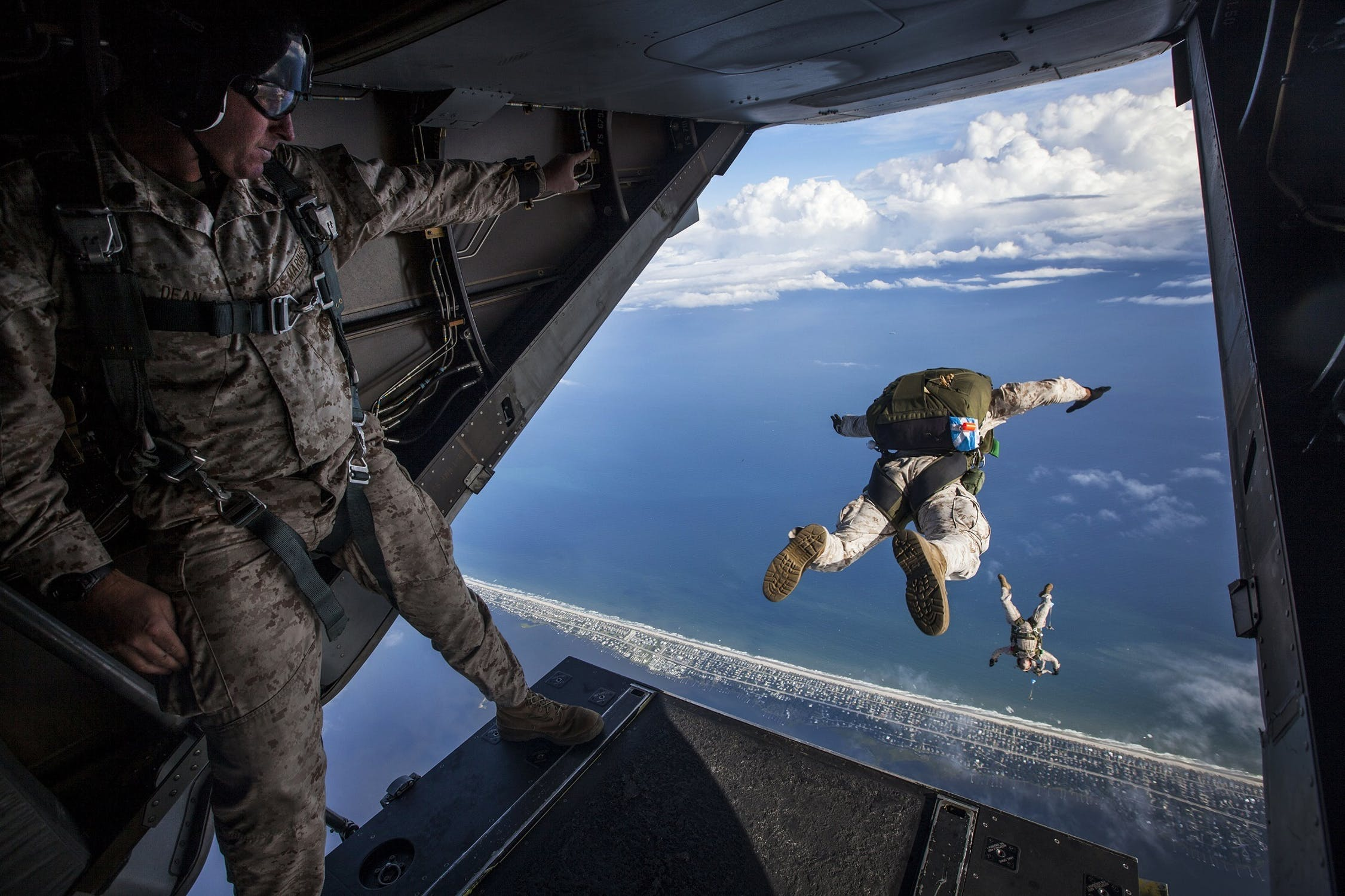 Special forces skydiving